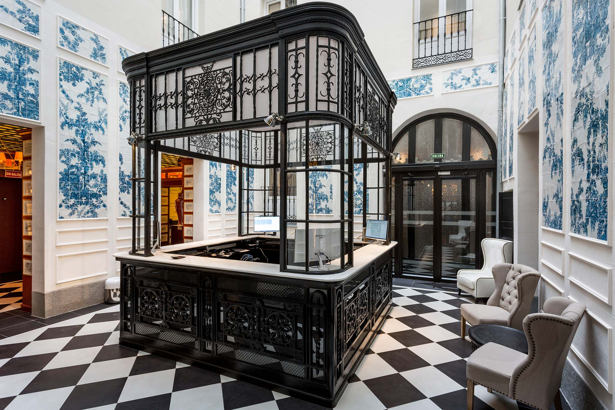 Madrid only you boutique hotel of paleis for Boutique resort